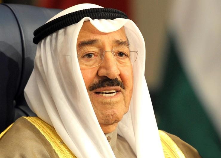 Емір Кувейту Сабах аль-Ахмед аль Джабер ас-Сабах - помагає залагодити конфлікт як посередник