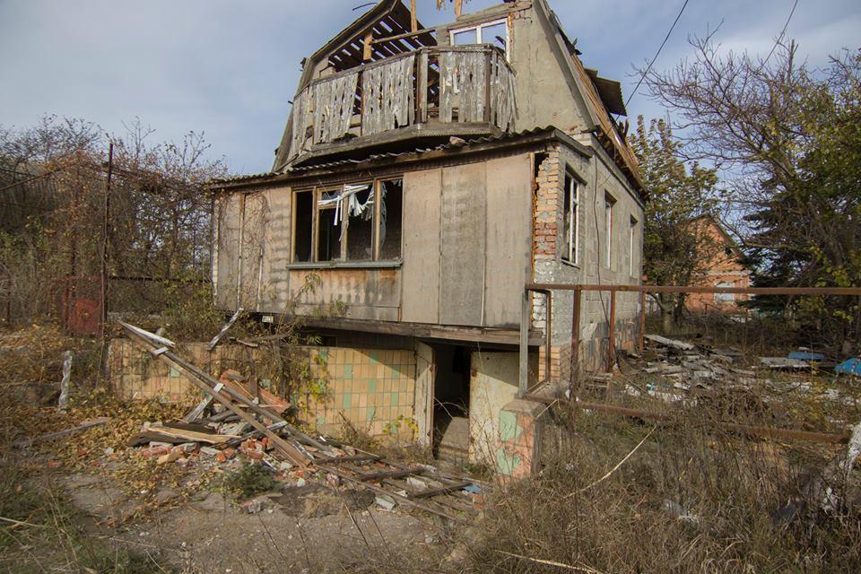 Руйнації у селищі Водяне (Донецька обл) у результаті обстрілів