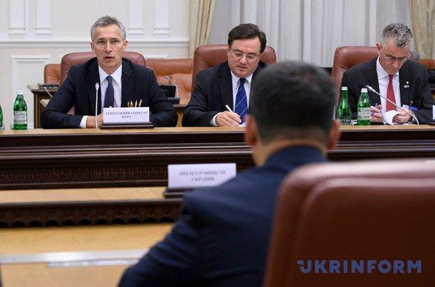 От русской агрессии Украина потеряла 16% ВВП— Гройсман