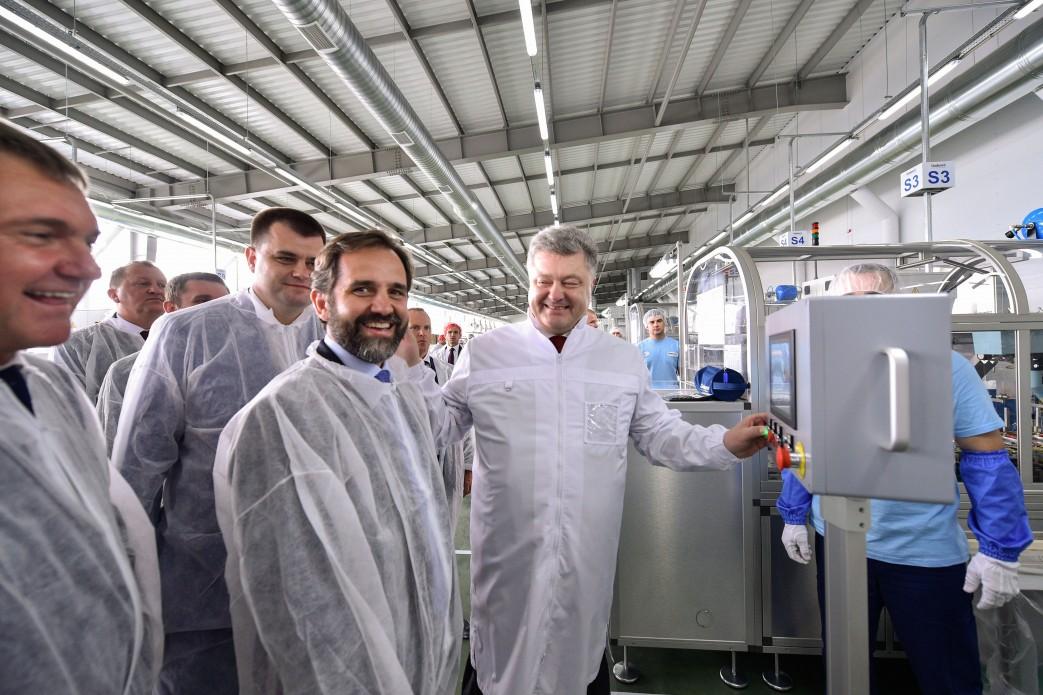 Завремя АТО открыли 60 новых заводов— Порошенко