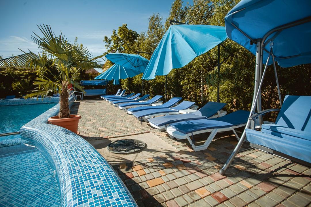 Vacation in a villa in Diamante Economy
