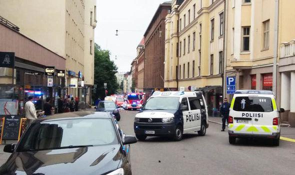 Мужчина наавтомобиле совершил наезд нагруппу людей вХельсинки