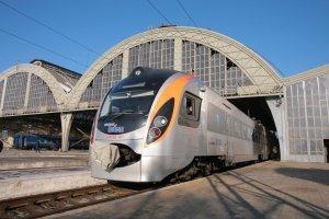 Укрзалізниця призначила додатковий рейс Інтерсіті+ до Львова