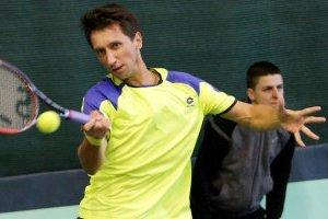 Стаховский досрочно завершил выступление на турнире ATP в Венгрии