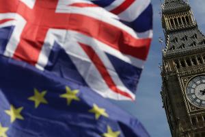 Лондон возобновляет Brexit-переговоры с Брюсселем в виртуальном режиме