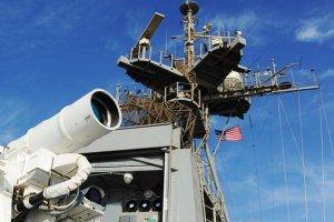 Штати провели успішне випробування лазерної зброї з корабля по безпілотнику