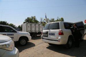 """Бойовики """"ДНР"""" більше 7 годин утримували водія і обладнання ОБСЄ"""