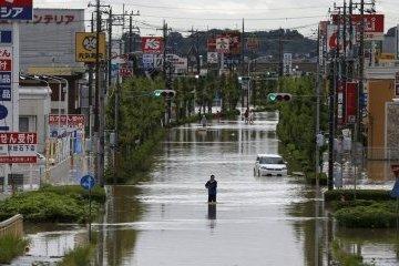 Количество жертв мощных наводнений в Японии возросло до 25