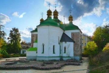 В Киеве реставрируют церковь Спаса на Берестове