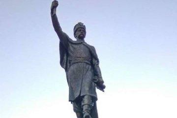 Памятник Мазепе открыли на Харьковщине