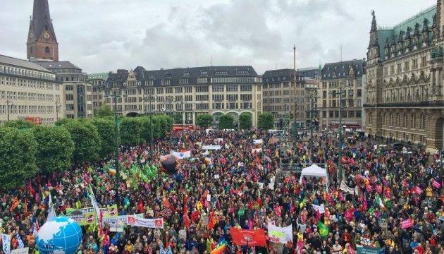 У Гамбурзі 18 тисяч протестувальників вийшли на акцію напередодні саміту G20