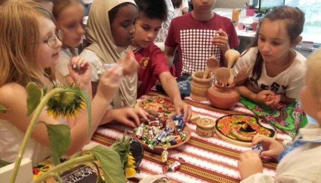 Діаспора в Нідерландах відкриває дві нові українські школи