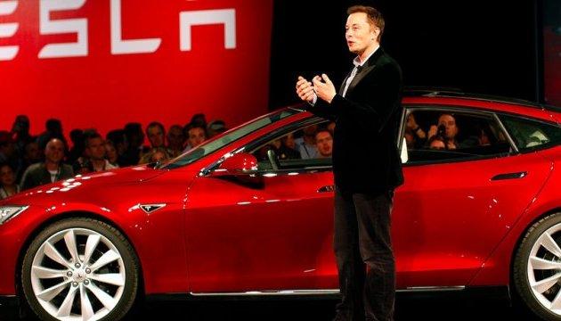 Tesla розповіла про рекордні збитки за квартал