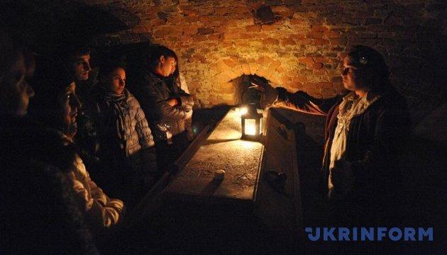 Львов приглашает на ночные экскурсии по храмам и подземельям