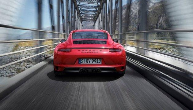 Експерти назвали ТОП-5 кращих автомобілів 2017 року