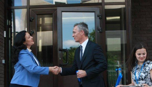 Столтенберг відкрив представництво НАТО у Києві