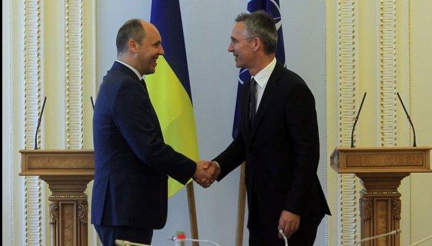 НАТО тісніше співпрацюватиме з Україною у питаннях кібербезпеки