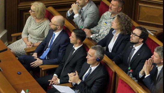 Київ може отримати зброю лише від країн-членів НАТО - Столтенберг