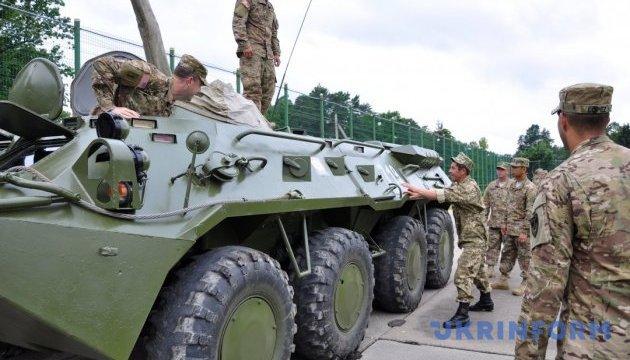 Армия в этом году получила более 870 единиц вооружений и техники
