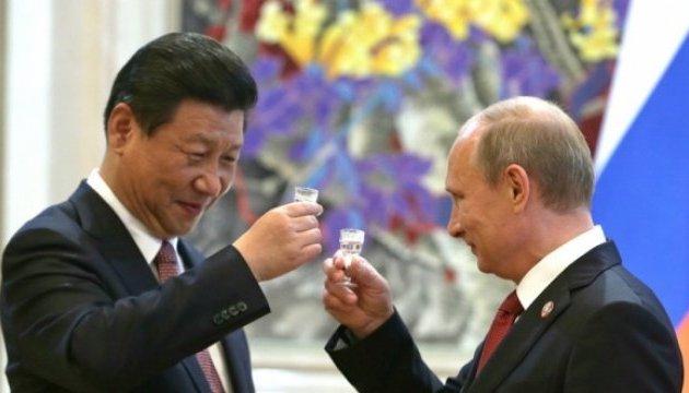 """Китай заблокував критику на Путіна у своєму """"Твіттері"""""""