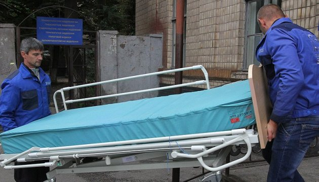 В Днипре врачи спасают двух тяжелораненых бойцов