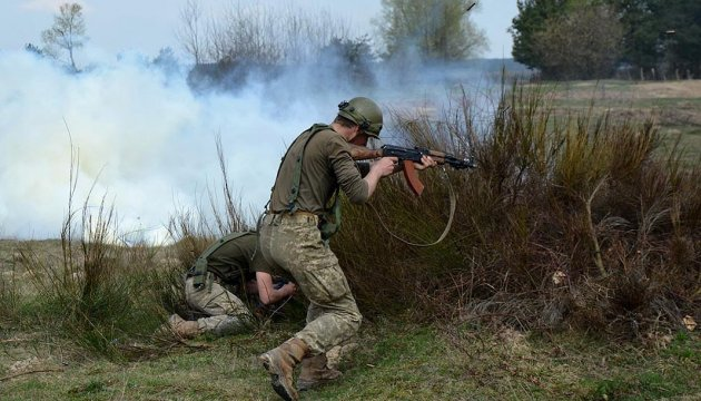 One Ukrainian soldier killed and one wounded in Donbas over past 24 hours - Lysenko