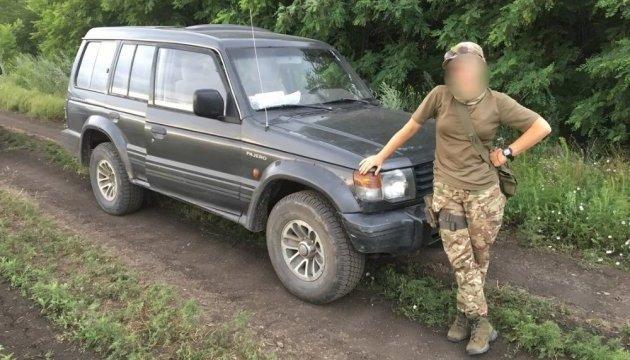Українці Канади зібрали гроші на авто для військових АТО
