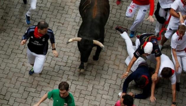 На традиційних перегонах у Памплоні бики поранили трьох чоловіків