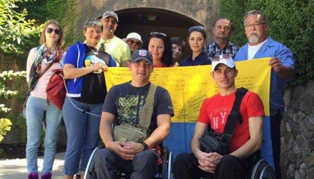Діаспора США просить допомоги на лікування для українських бійців