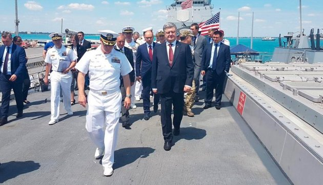 President gets acquainted with course of Sea Breeze 2017 exercises in Odesa region