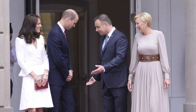Кейт Миддлтон и Принц Уильям с детьми посетили Польшу: яркие фото