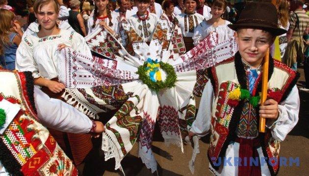 Сир з чорницею та пісня про «брендушки»: Гуцули відсвяткували «Полонинське літо»