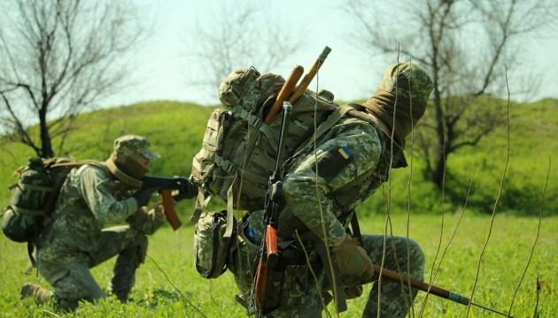 Доба в АТО: четверо військових поранені, один підірвався на вибухівці