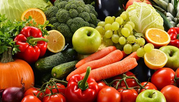 Цьогорічні ціни на фрукти зросли, а на овочі знизилися