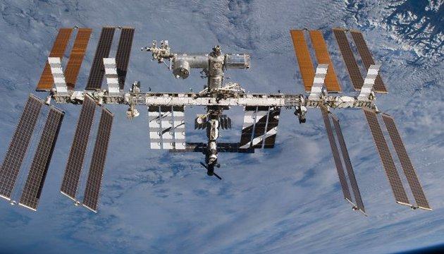 Командир МКС відкидає причетність астронавтів NASA до дірки у