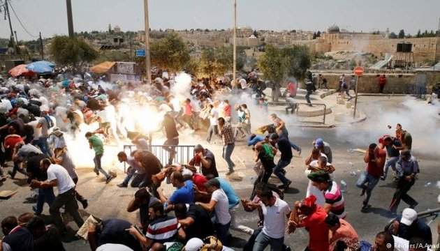 В Иерусалиме в столкновениях погибли трое и ранены сотни палестинцев