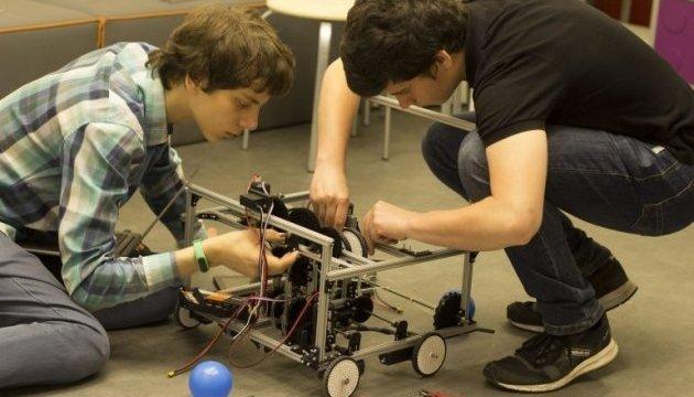 Украинцы вошли в ТОП-20 всемирной олимпиады по робототехнике