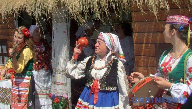 Порошенко привітав учасників і гостей фестивалю «Дзвони Лемківщини»