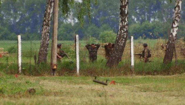 """Журналисты """"баловались"""" квадрокоптером возле военного объекта на Житомирщине"""