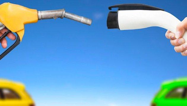 Британия с 2040 года запретит продажу бензиновых и дизельных авто