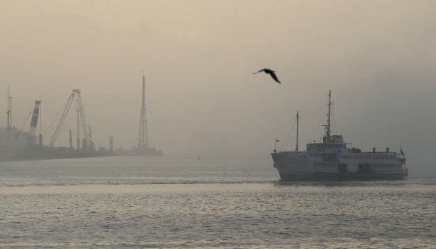 Морські канали до Херсонського морпорту закрили через туман