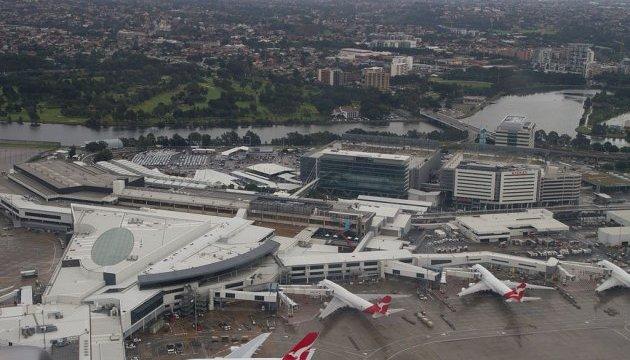 Штормовий вітер спричинив хаос у аеропорту Сіднея