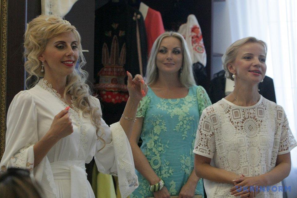 Юлия Кацьянова (слева), Марина Игнатуша (справа)