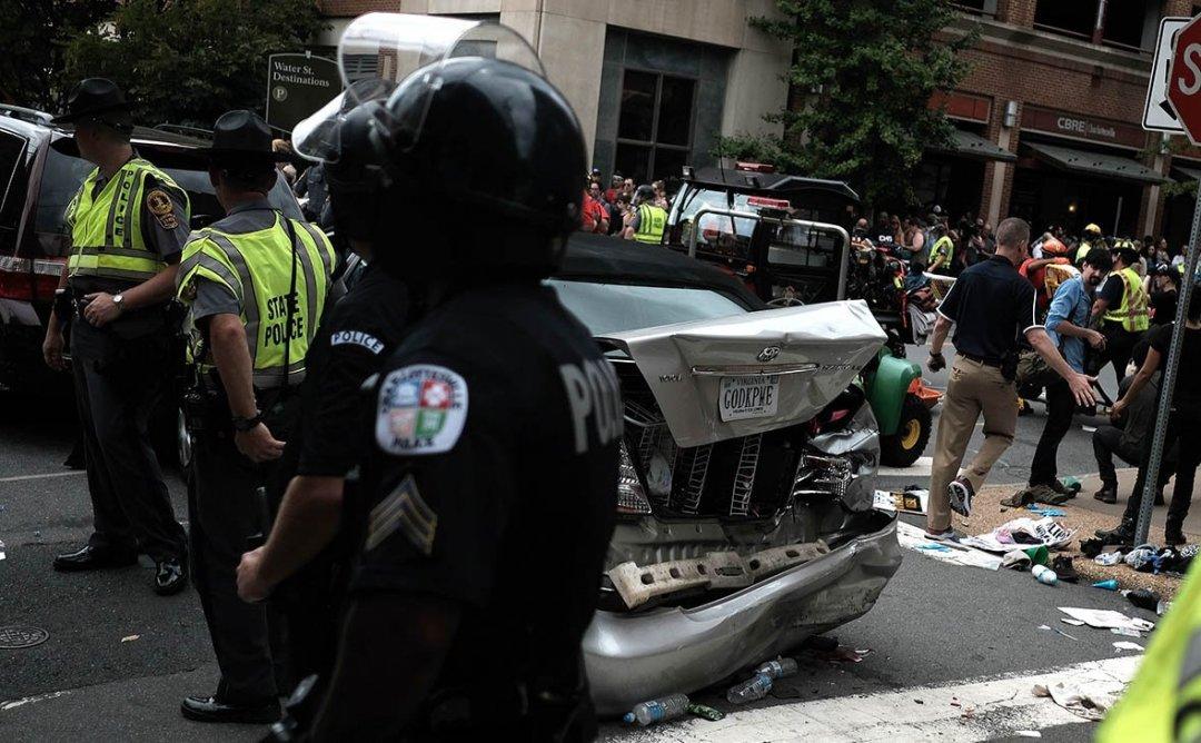 Наїзд автомобіля на людей у Вірджинії // Фото: Reuters