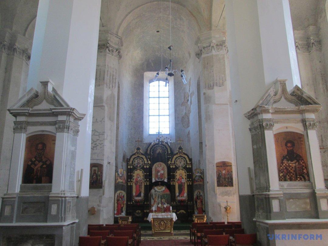 Внутрішній інтер'єр Церкви Пресвятої Трійці