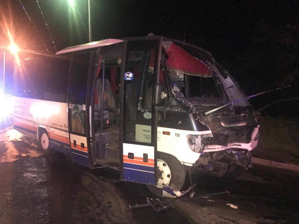 ВОдессе столкнулись джип, рейсовый автобус имаршрутка