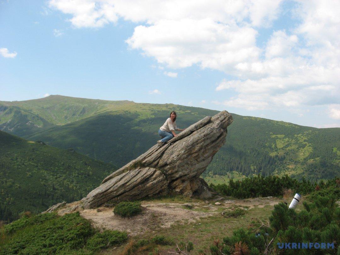 скельні скульптури попід Вухатим каменем
