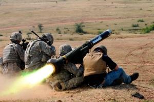 В первые недели боев на Донбассе Javelin изменили бы ситуацию - американский генерал