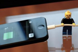 Эксперты составили рейтинг автономности смартфонов