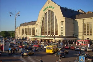 """Омелян розповів, що робитимуть з """"шанхаєм"""" на київському вокзалі"""
